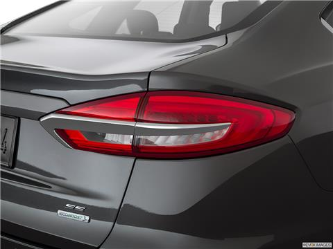 2020 Ford Fusion photo