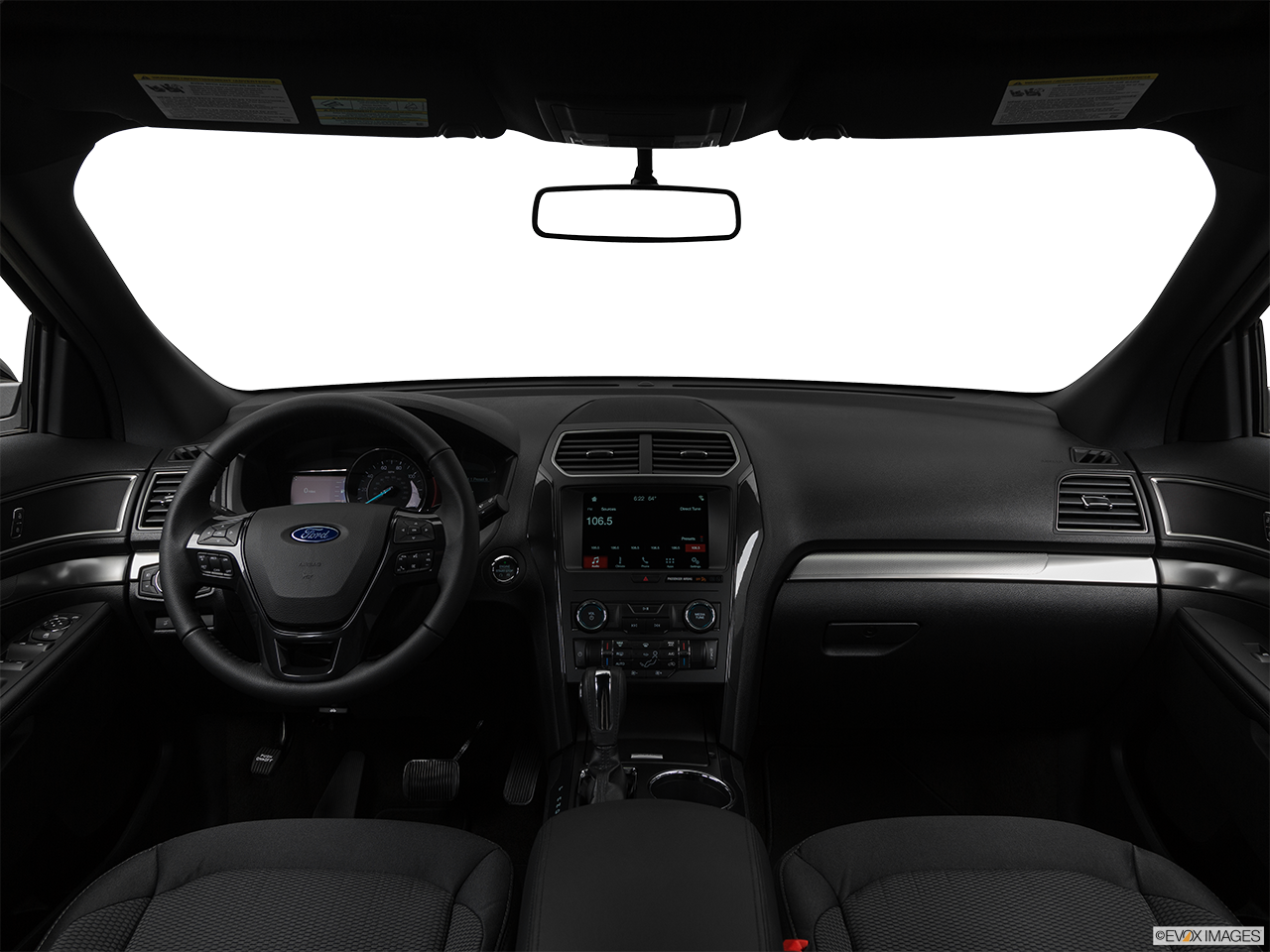 2019 Ford Explorer photo
