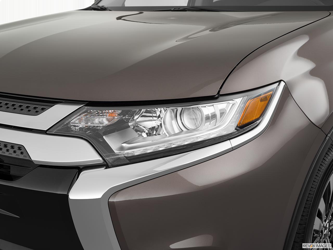 2019 Mitsubishi Outlander photo