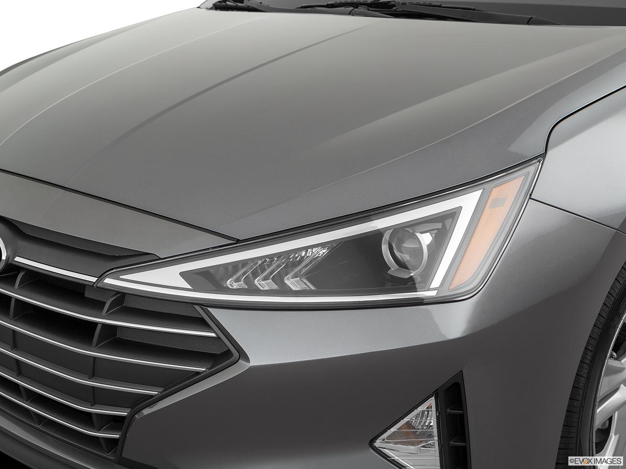 2019 Hyundai Elantra photo